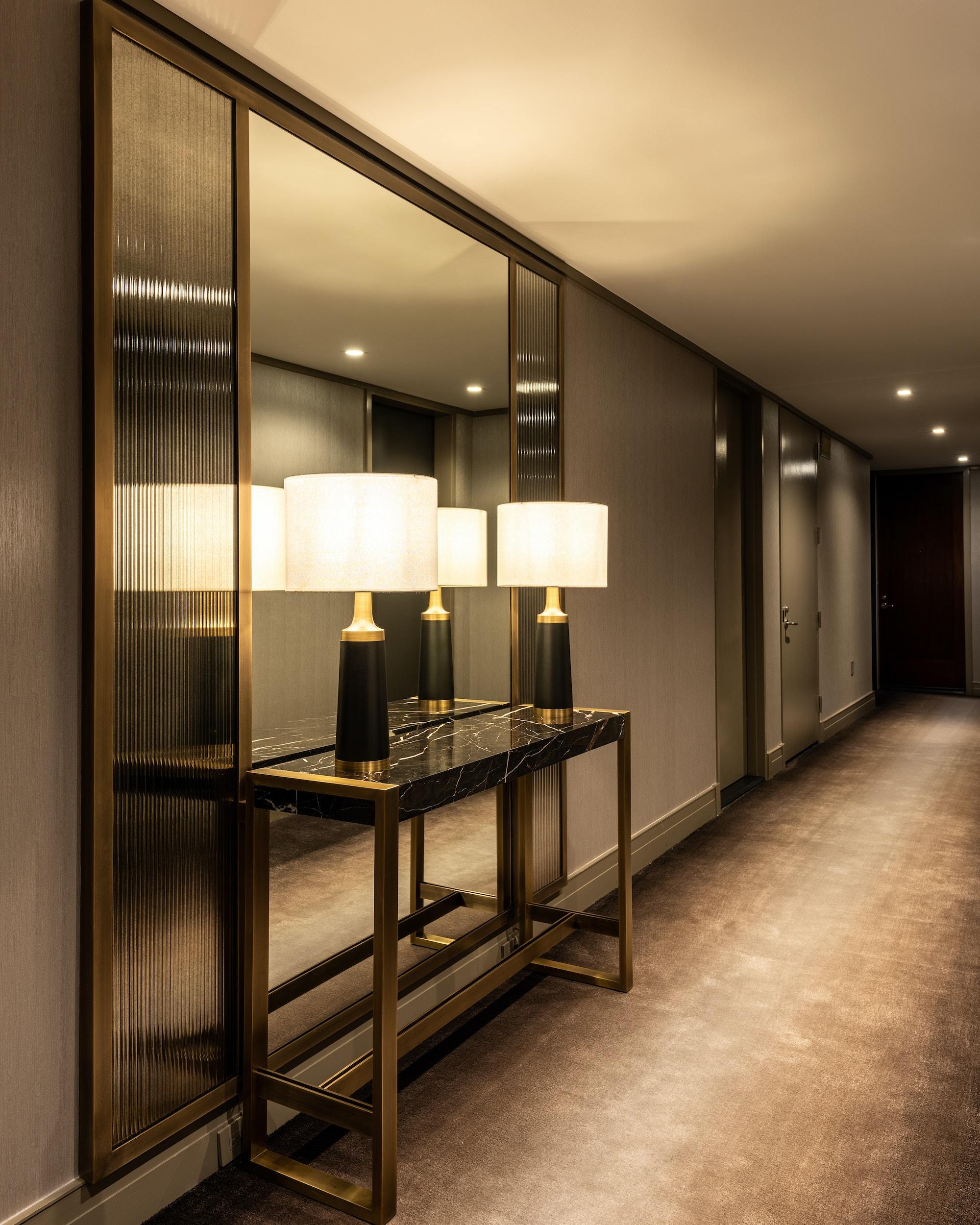 25-columbus-circle-related-hallway