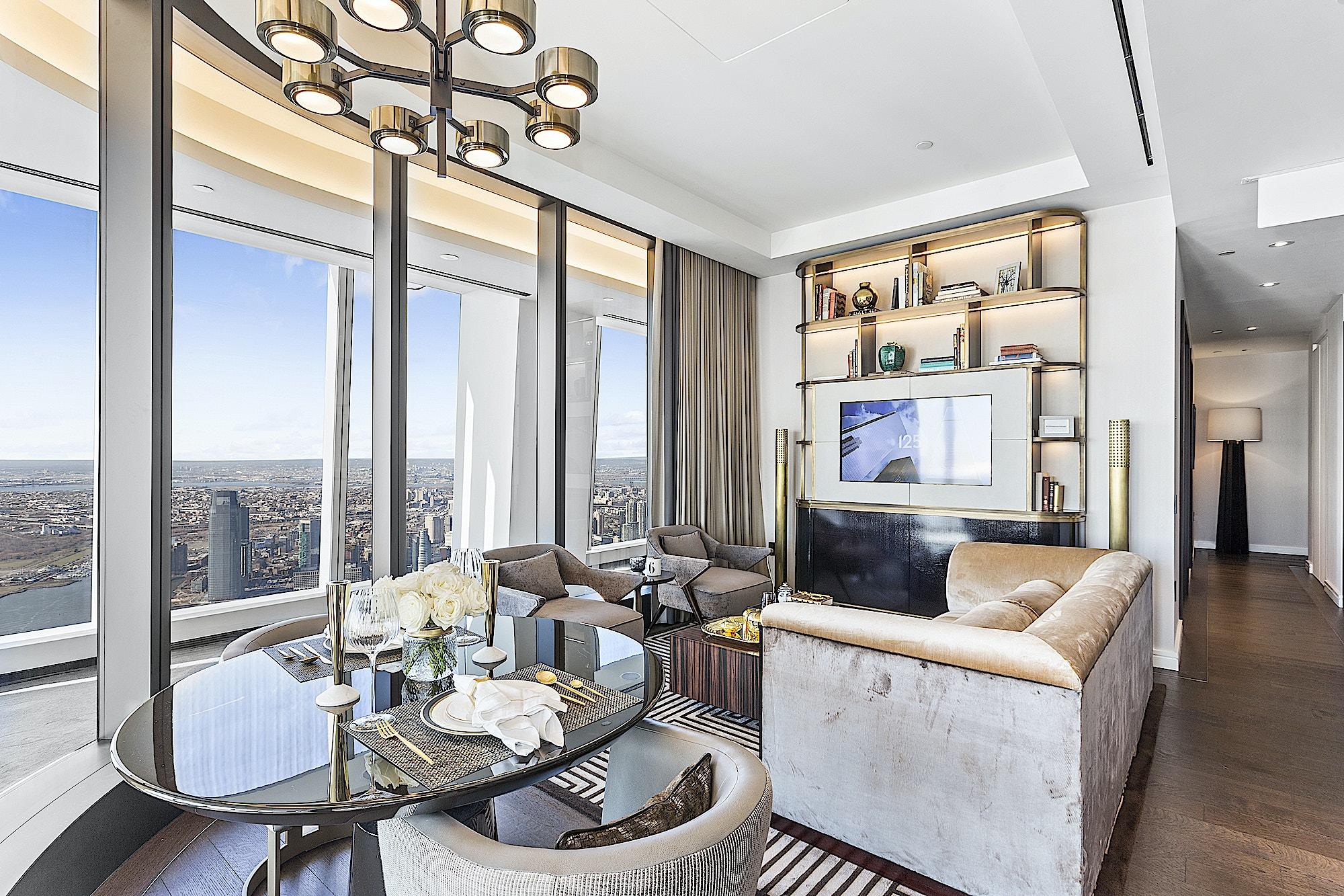 125-Greenwich-Vinoly-sales-suite-living