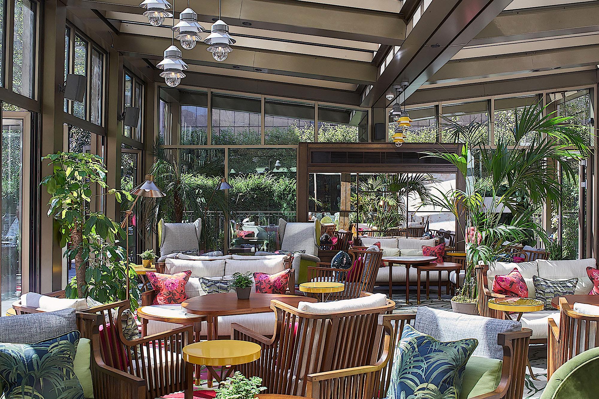 Devonshire-Club-hospitality-interior-design-garden-room