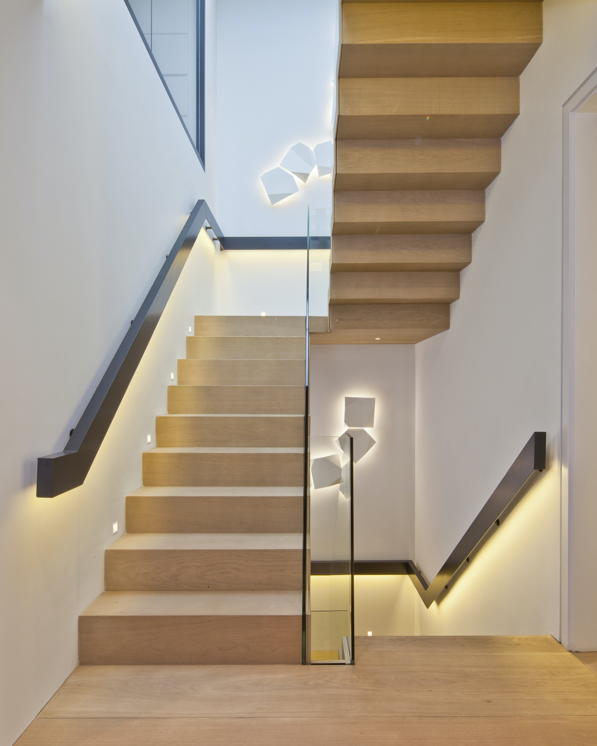 March-White-Headfort-Place-design-stair