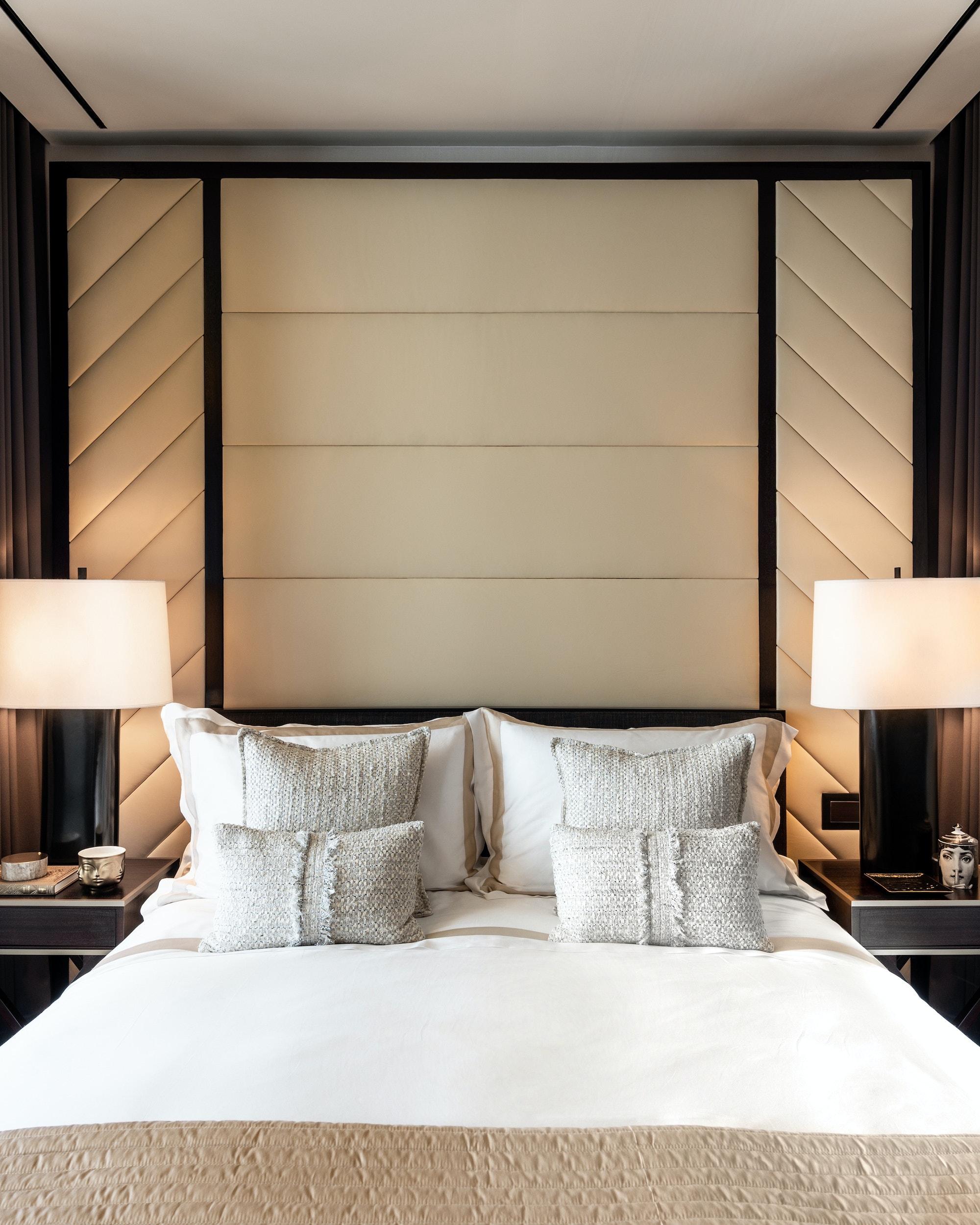 125-Greenwich-Vinoly-sales-suite-bedroom