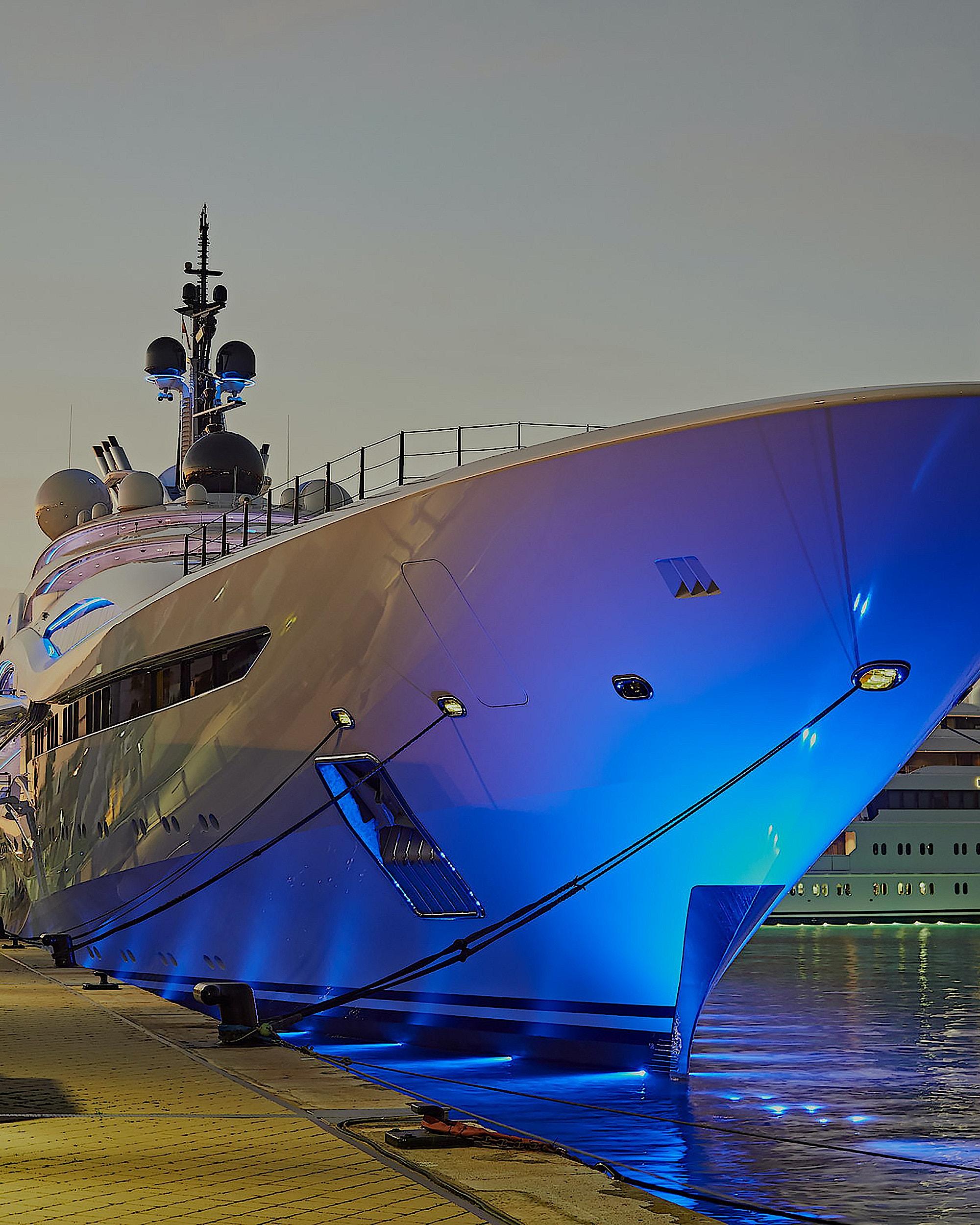 al-lusail-yacht-design-exterior-front